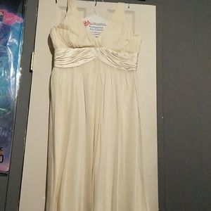 Gorgeous 100% silk Jones New York halter dress